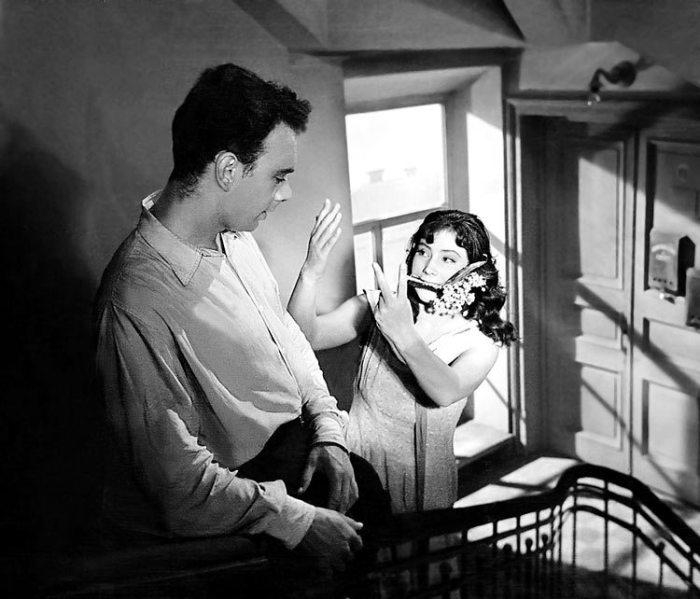 Советский чёрно-белый художественный фильм 1957 года режиссёра Михаила Калатозова, снятый по мотивам пьесы Виктора Розова «Вечно живые».