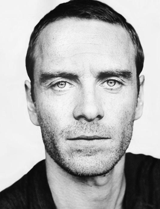 Ирландский актёр театра, кино и телевидения.