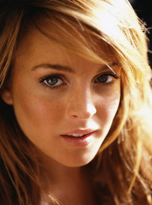 Актриса, певица, модельер и самая сексуальная женщина по рейтингу журнала «MAXIM».