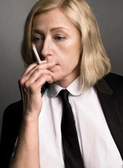Величайшая американская женщина фотограф и режиссер, известная своими концептуальными портретами.