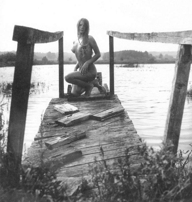Римантас Дихавичюс совершенно не приемлет сегодняшнюю «эксплуатацию женского образа в искусстве», ему грустно от того, что святая для него тема стала «примитивным товаром».