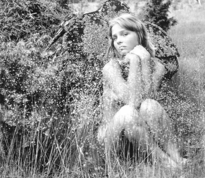 Сборник фотографий на запрещенную по тем временам тему произвел ошеломляющий эффект - это было первое издание в жанре «ню», официально вышедшее в СССР.