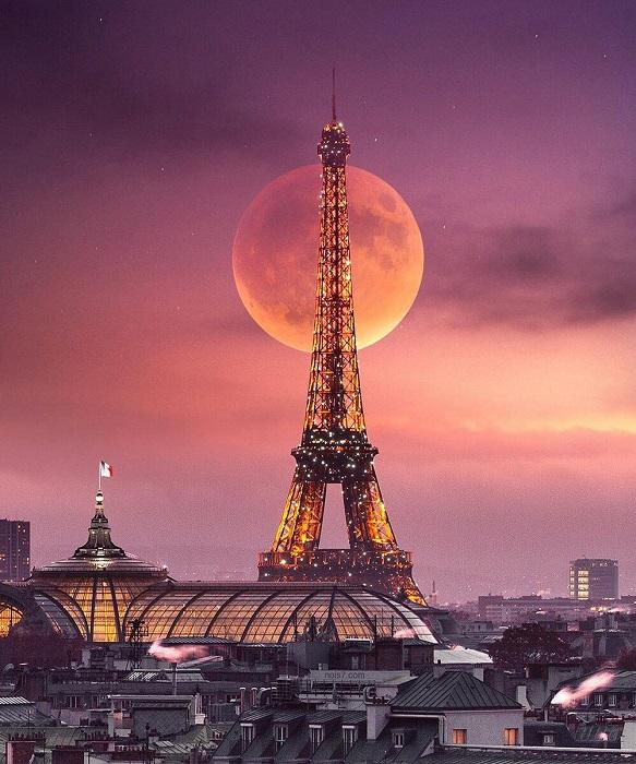 Эйфелева башня – сердце Парижа.