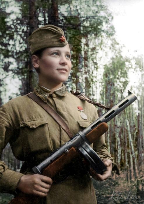 Разведчик 6-й отдельной гвардейской разведывательной роты 3 гвардейской стрелковой дивизии, погибла 23.01.1943 года, прикрывая отход своих товарищей.