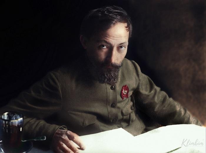 Российский революционер польского происхождения, советский политический деятель.