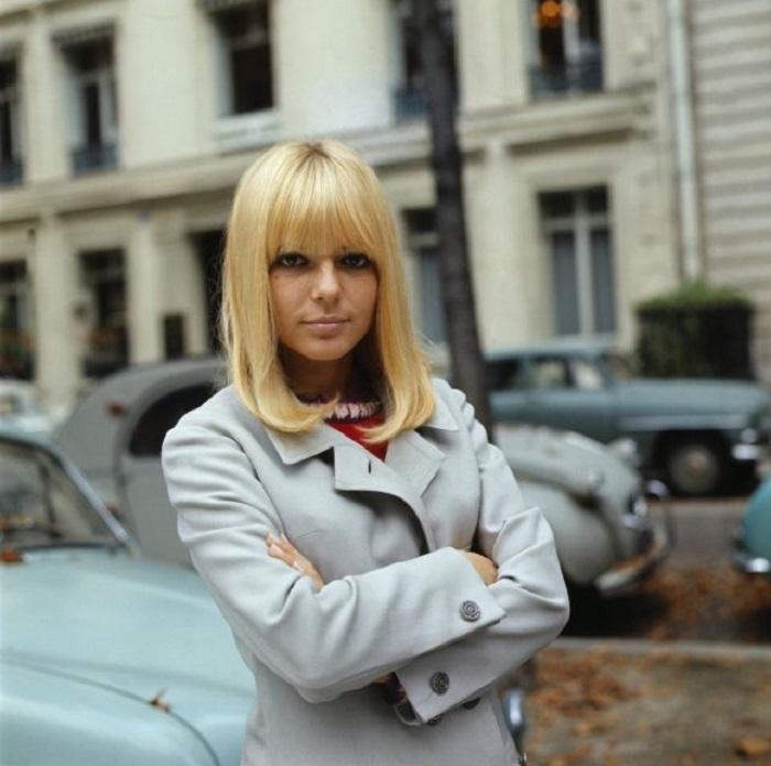 Франс – это образ французских девушек в послевоенное время.