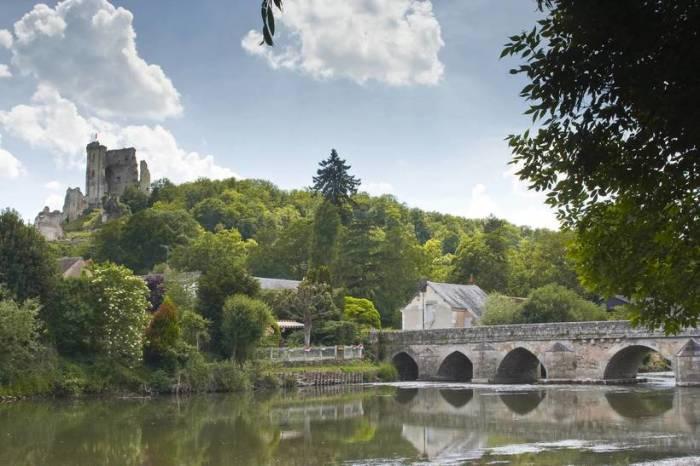 Старинное местечко на юге Франции имеет уникальный архитектурный облик.