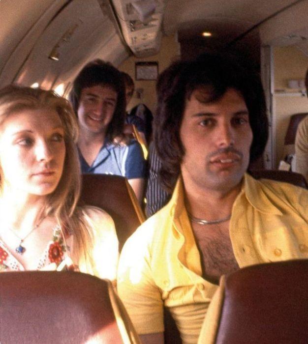 Фредди с Мэри в частном самолете, 1970-е гг.