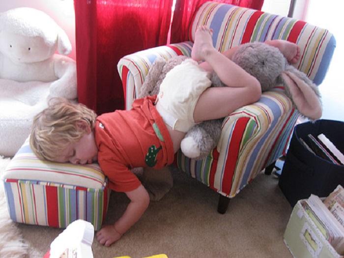 Неважно где и как-главное уснул.