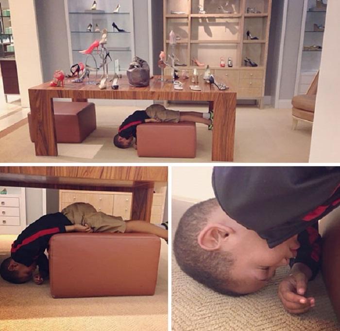 Даже в такой позе и под столом - я заснул.