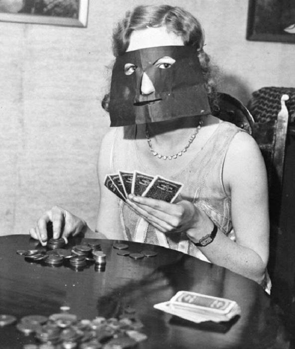 Игра покер очень увлекательна и азартна.