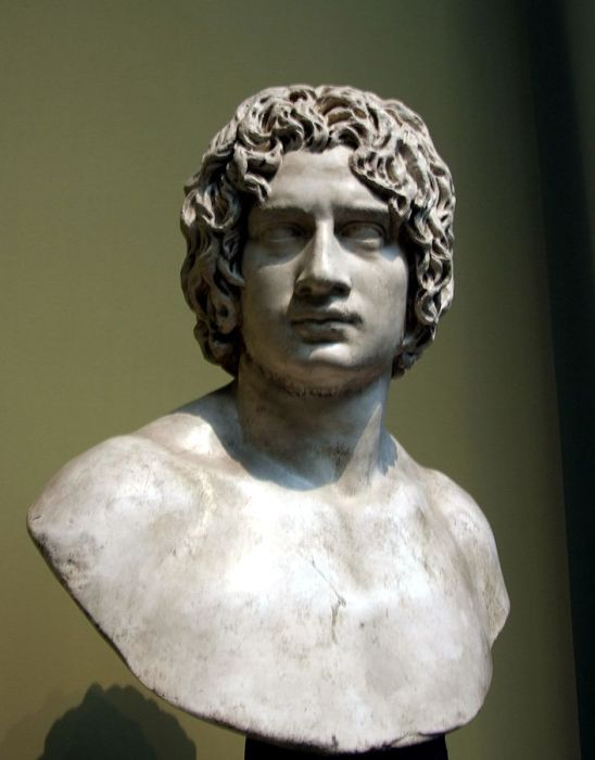 Вождь германского племени херусков, известен, своей победой над римлянами в битве в Тевтобургском лесу.