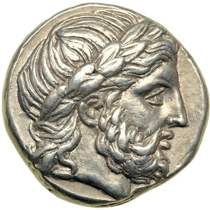 Филипп создал хорошо обученную армию с железной дисциплиной, и с ней сумел покорить всю Грецию.