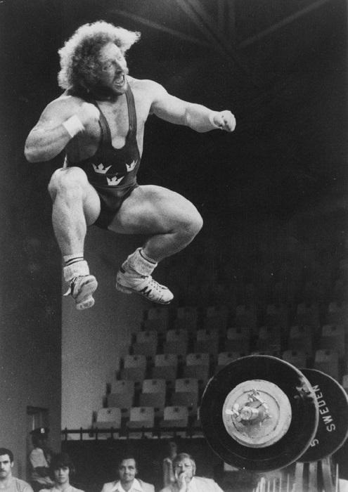 Леннарт Дальгрен из Швеции празднует свое первое место на XXI Олимпийских играх в Монреале, 1976 год.