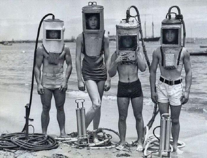 Так выглядело оборудование дайверов в 40-х годах прошлого века.
