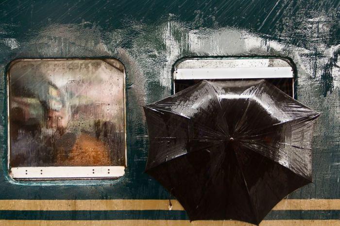 Поощрительным призом в номинации «Люди» награжден снимок «Мужской взгляд» фотографа Мойна Ахмеда (Moin Ahmed).