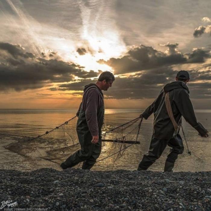 Рыбалка от рассвета до заката.
