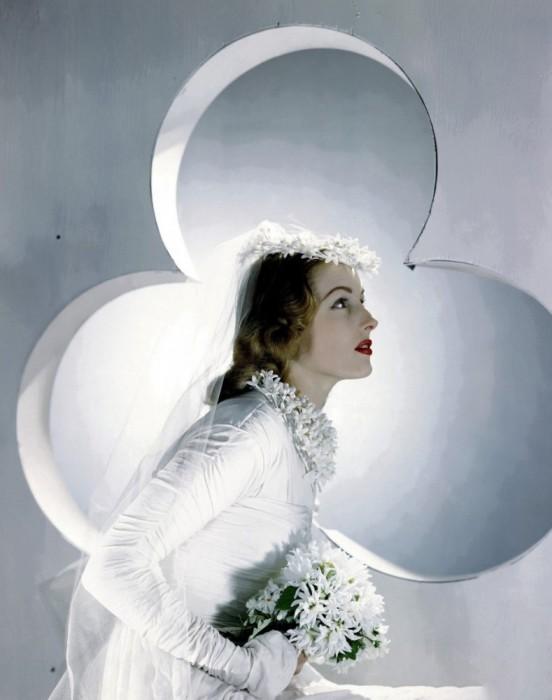 Модель в платье невесты, 1941 год.