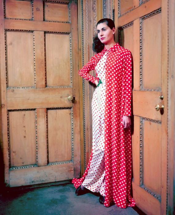 Графиня в одежде горох от дизайнера Мэри Блэк, 1948 год.