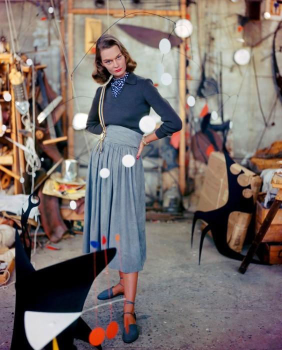 Свитер обманка и юбка с завышенной талией, фото Женевьев Нейлор, 1948 год.