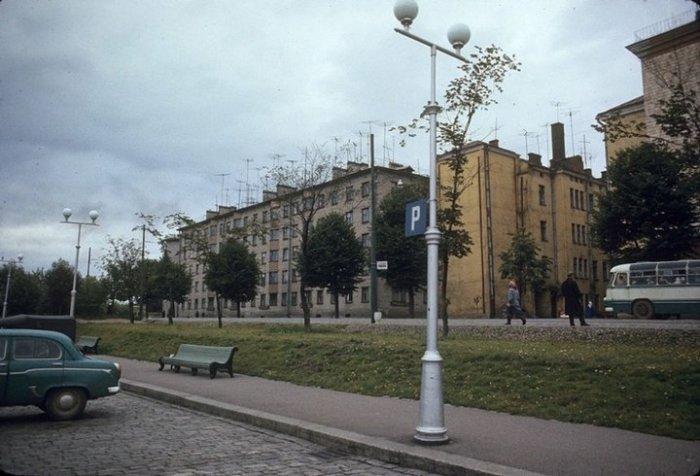 Здание из желтого кирпича по улице Железнодорожной к нашему времени не сохранилось.