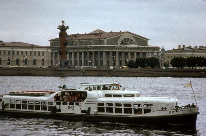 Прогулочный речной теплоход – модернизированная версия «Москвича», который еще называли «речным трамваем».