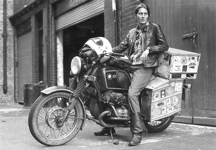 Первая женщина-мотоциклист, объехавшая вокруг света.