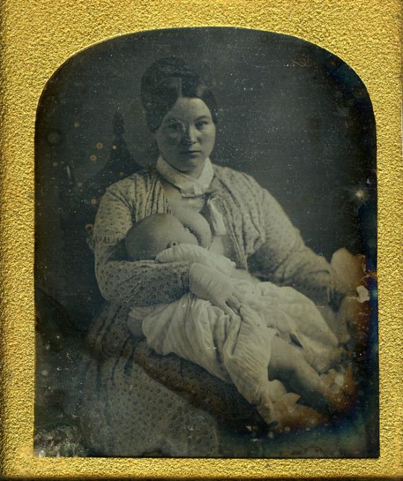 Малыш во время трапезы.