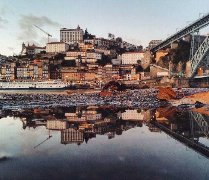 Своими работами фотограф делится в Instagram и уже обрел тысячи подписчиков.