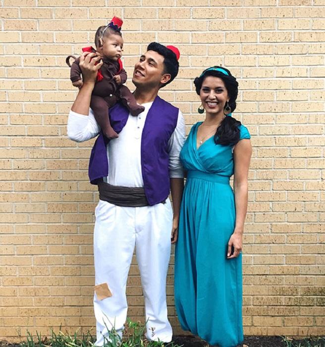 Креативный подход к костюмам у родителей и маленького Алладинчика.