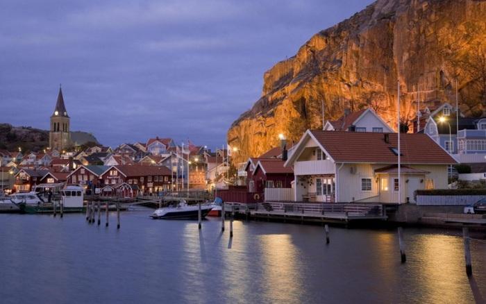 Посёлок Фьельбака на западном побережье Швеции.