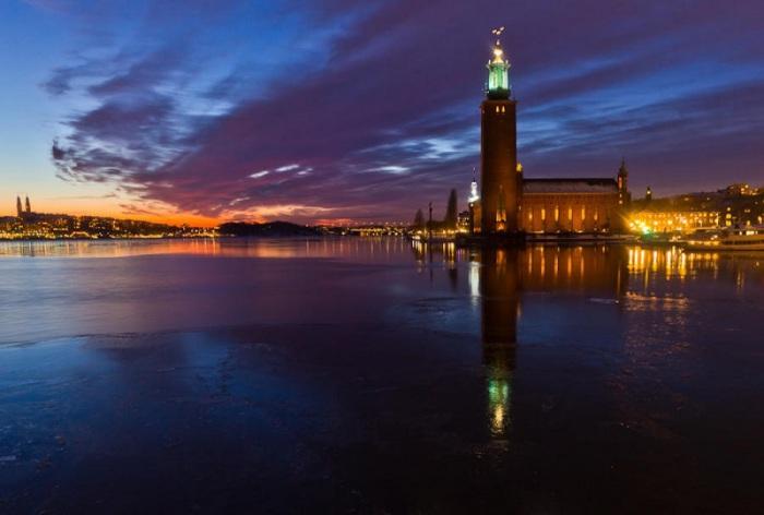 Городская ратуша, возведенная в Стокгольме на территории острова Кунгсхольмен.
