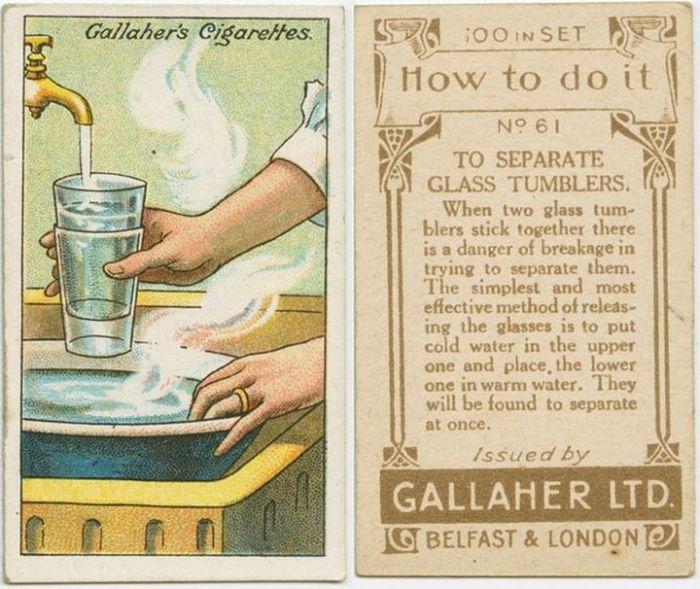 Нужно нагреть в миске немного воды и поместите туда стаканы таким образом, чтобы вода нагревала только нижний, а в верхний стакан налить холодную воду или даже положить немного льда. После этого можно легко вытащить один стакан из другого.