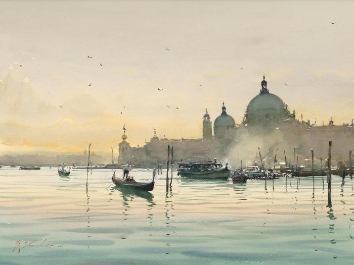 Утреннее катание на гондолах в Венеции.