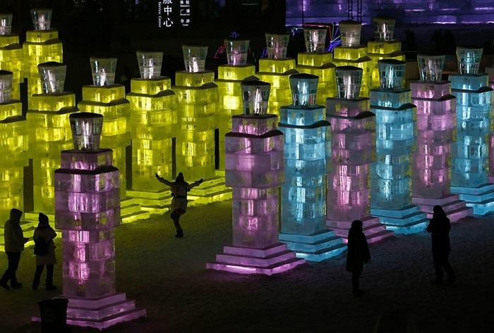 Невероятные творения международного фестиваля льда и снега.