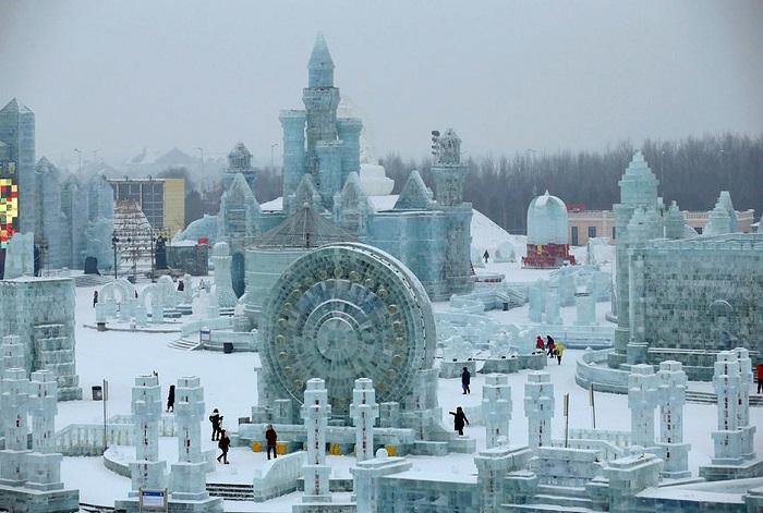 Грандиозные ледяные скульптуры.