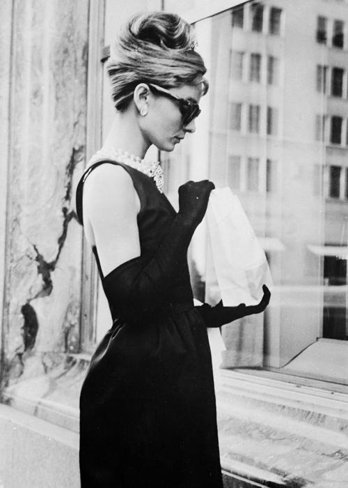 Одна из самых ярких, стильных, элегантных и талантливых актрис 20 века.