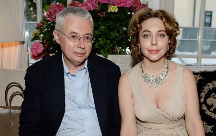 Один из создателей телекомпании НТВ решился официально оформить свой брак с российской журналисткой после 7-ми лет «тест-драйва».