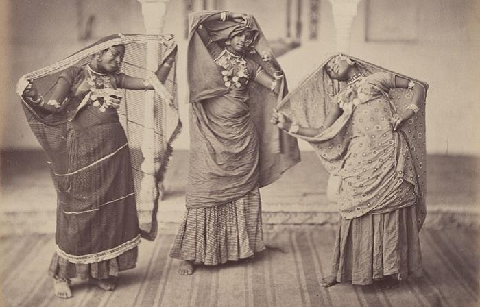 Коллекция старинных фотографий о жизни и быте индусов в XIX веке.