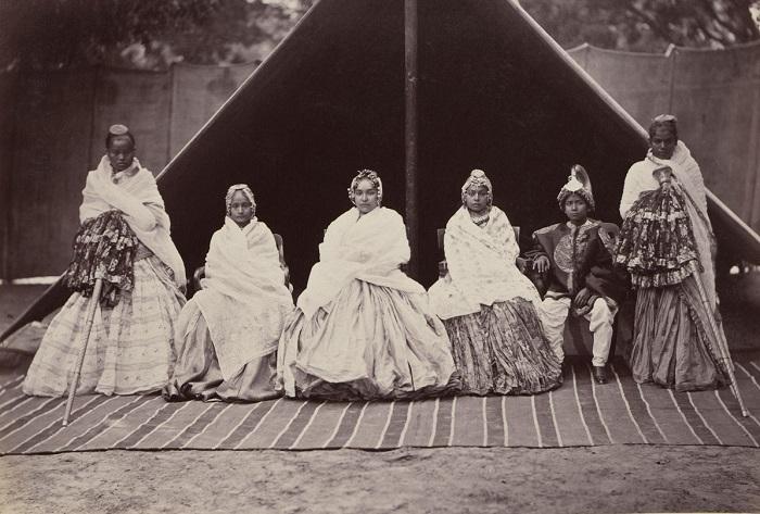 Группа женщин из гарема махараджи.