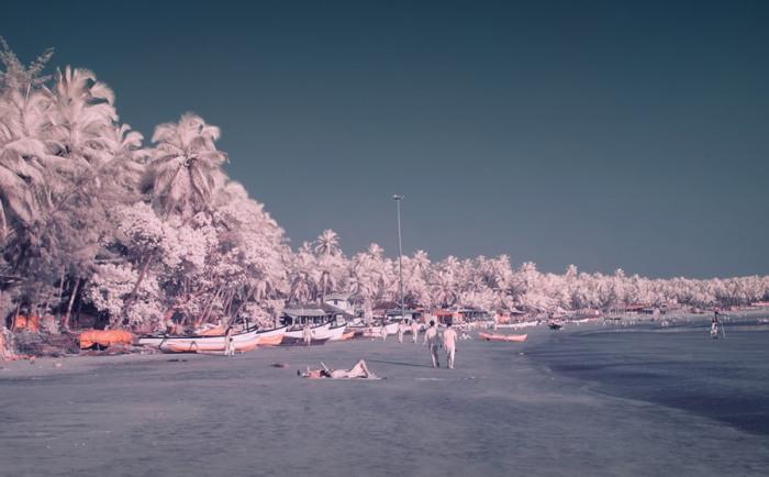 Даже в межсезонье есть желающие посетить прекрасные пляжи южного Гоа.