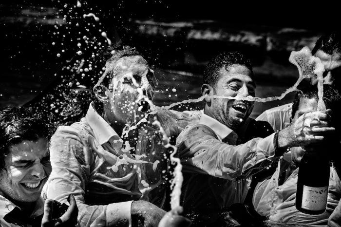 Автор снимка, вошедшего в топ-10 категории «Черное и белое», - итальянский фотограф Донателла Барбера (Donatella Barbera).