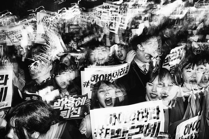1-е место в номинации «Открытая категория: Фотожурналистика / Любитель» занял корейский фотограф Аргус Пол Эстрюок (Argus Paul Estabrook).