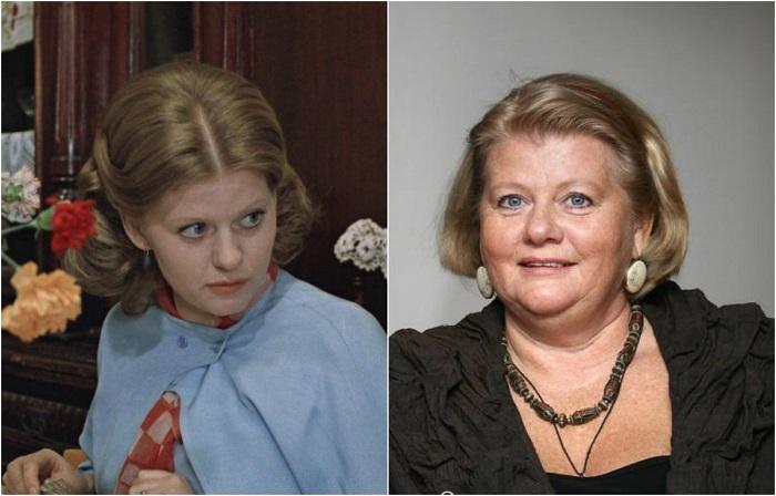 Великая советская актриса, которая горячо любима миллионами зрителей, ее выдающиеся работы в кино давно стали классикой советского кинематографа.