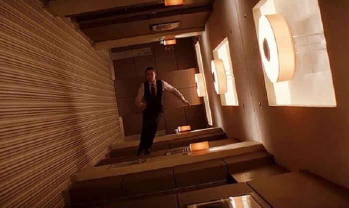 Кадр из фантастического триллера британо-американского кинорежиссера Кристофера Нолана (Christopher Nolan).