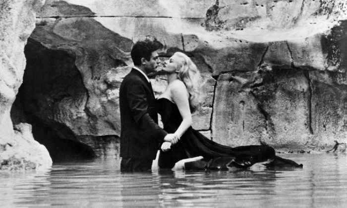 Кадр из драматической трагикомедии итальянского кинорежиссера Фредерико Феллини (Federico Fellini).