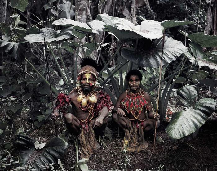 Народность Кара занимается сельским хозяйством, выращивая маис и сорго.
