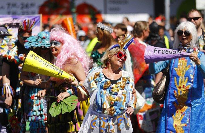 Первый Карнавал культур был проведен в Берлине в 1996 году и за 22 года стал традиционным.