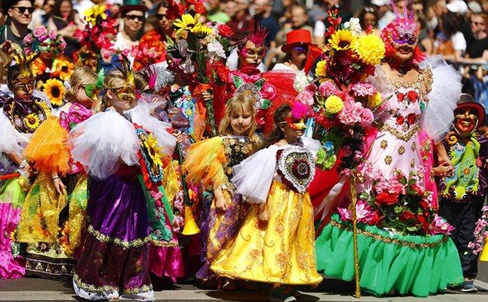 В этом году Карнавал культур посетило около 1,5 миллиона человек, что немного больше в сравнении с 2017 годом.