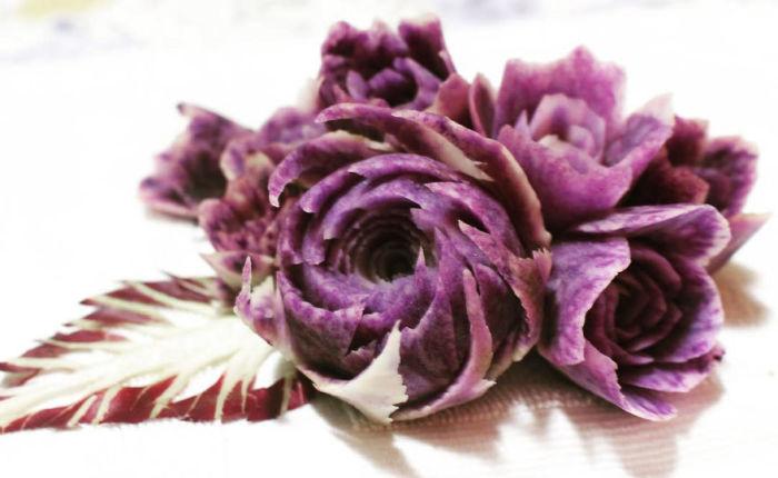 Фиолетовые цветы.